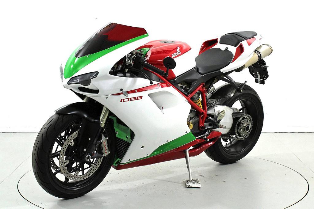 ducati 1098 s superbike ber 35 kw moto center winterthur. Black Bedroom Furniture Sets. Home Design Ideas