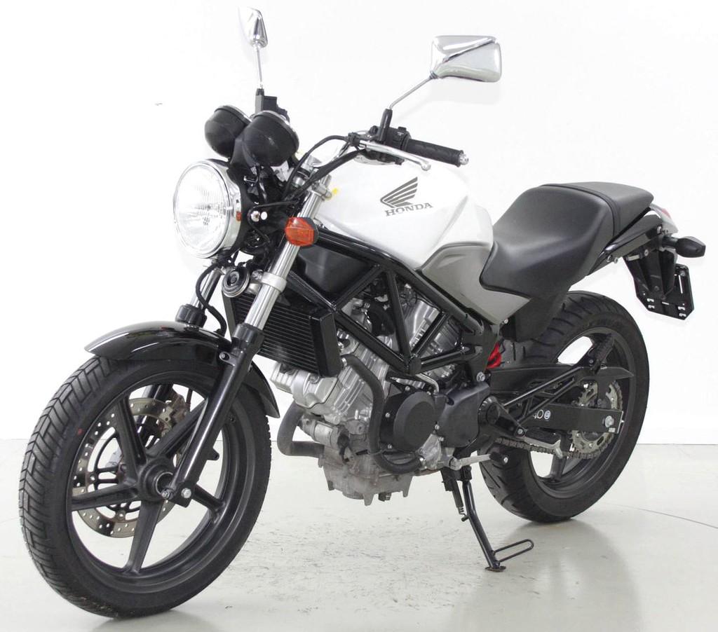 honda vtr 250 bis 35 kw moto center winterthur. Black Bedroom Furniture Sets. Home Design Ideas
