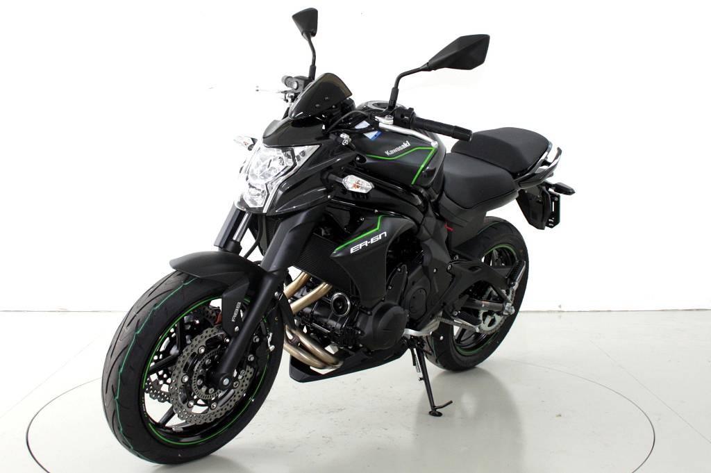 125ccm motorrad 125ccm motorrad kaufberatung f r einsteiger top 10 125 ccm motorr der i die. Black Bedroom Furniture Sets. Home Design Ideas