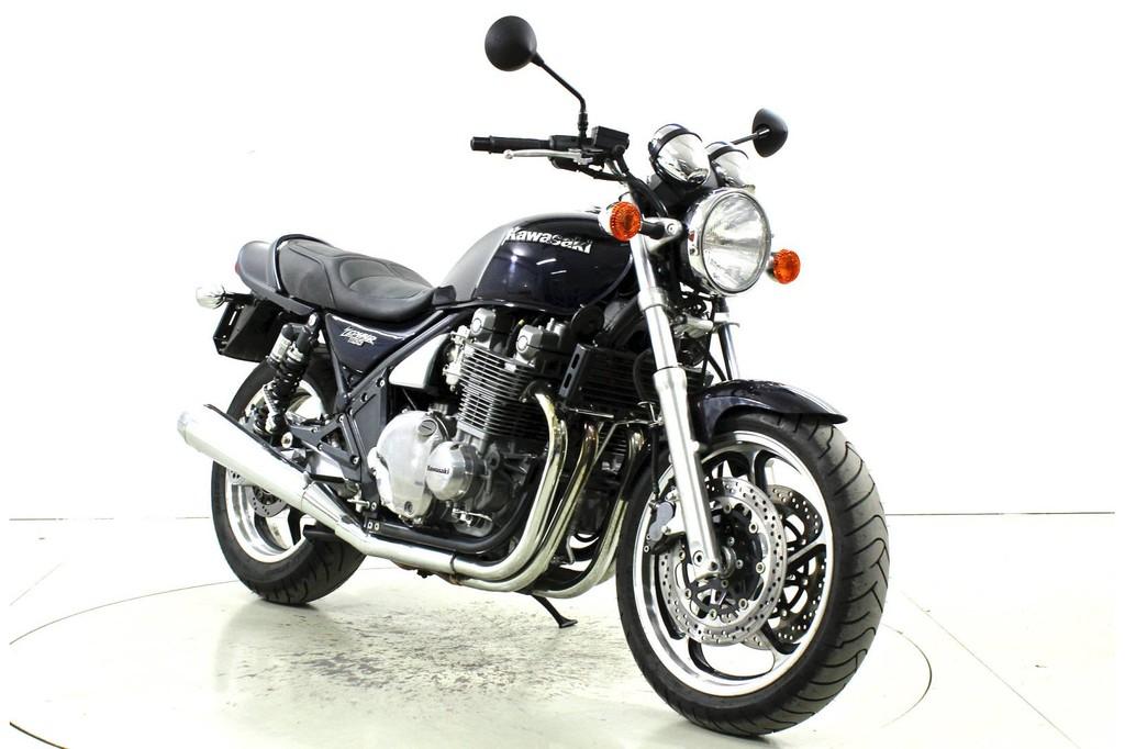 Kawasaki Zephyr 1100 - Occasion-Motorräder - Moto Center