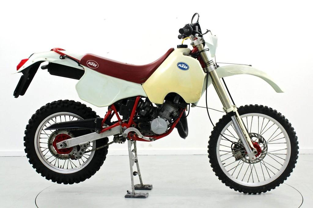 ktm gs 125 kch klassiker oldtimer moto center winterthur. Black Bedroom Furniture Sets. Home Design Ideas