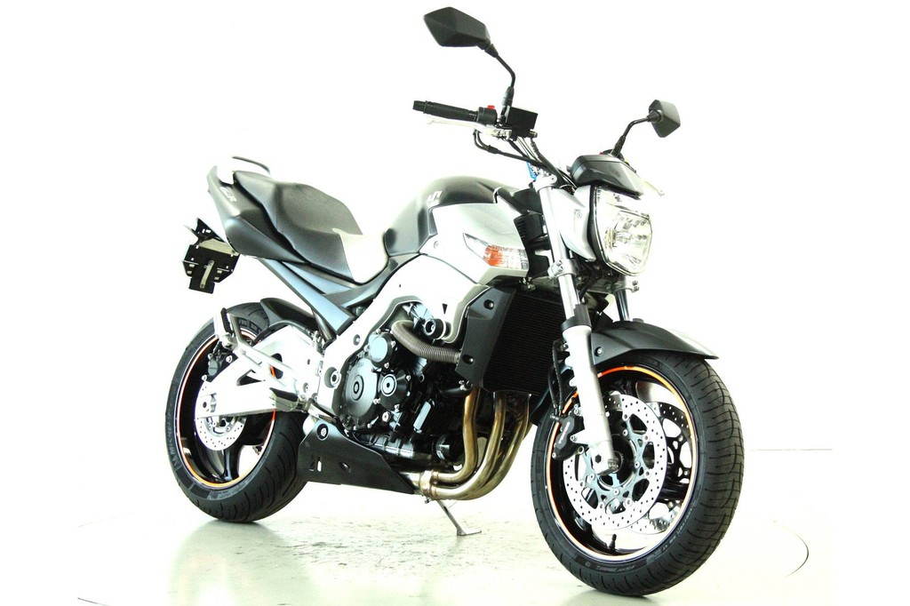 suzuki gsr 600 ber 35 kw moto center winterthur. Black Bedroom Furniture Sets. Home Design Ideas