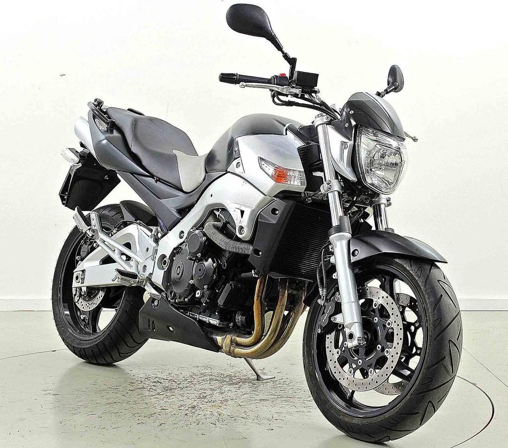 suzuki gsr 600 a ber 35 kw moto center winterthur. Black Bedroom Furniture Sets. Home Design Ideas