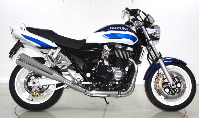 suzuki gsx 1400 k2 occasion motorr der moto center winterthur. Black Bedroom Furniture Sets. Home Design Ideas