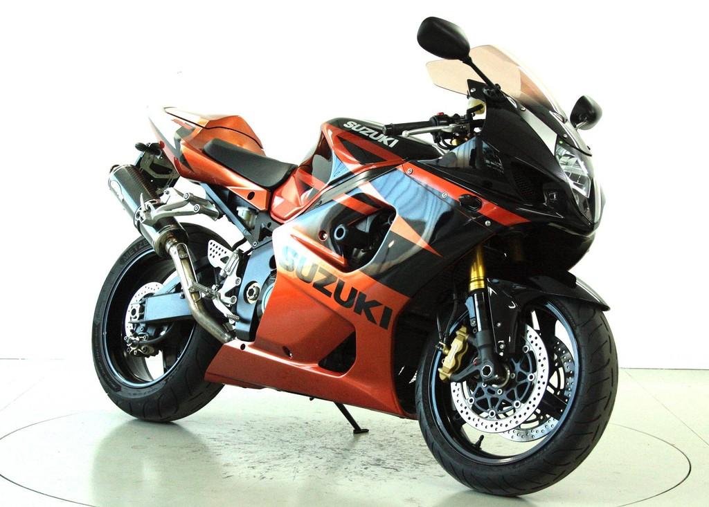 suzuki gsx r 1000 occasion motorr der moto center winterthur. Black Bedroom Furniture Sets. Home Design Ideas