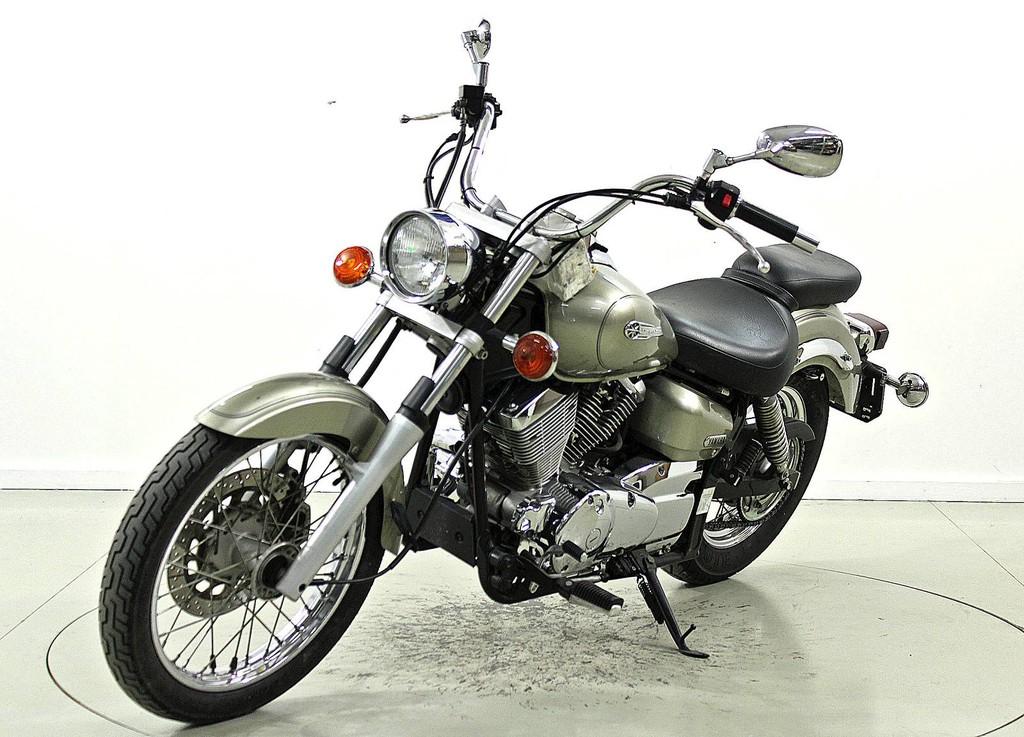 yamaha xvs 125 drag star 125 ccm motorr der moto. Black Bedroom Furniture Sets. Home Design Ideas