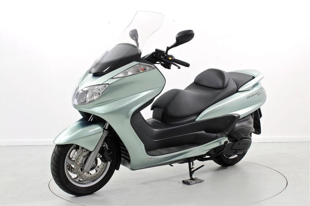 yamaha yp 400 majesty occasion roller moto center. Black Bedroom Furniture Sets. Home Design Ideas
