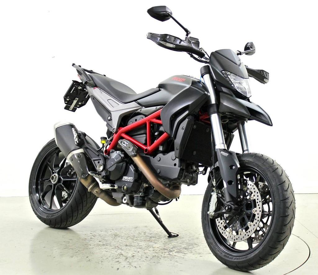 ducati 821 hypermotard occasion motorr der moto center winterthur. Black Bedroom Furniture Sets. Home Design Ideas