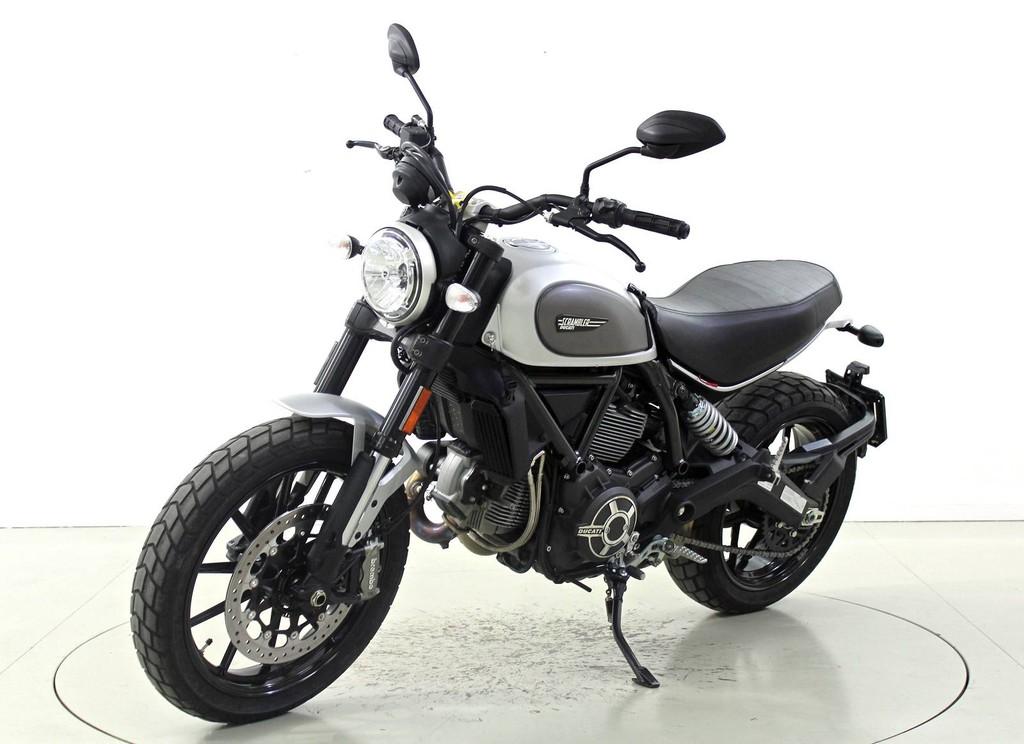 ducati scrambler occasion motorr der moto center winterthur. Black Bedroom Furniture Sets. Home Design Ideas