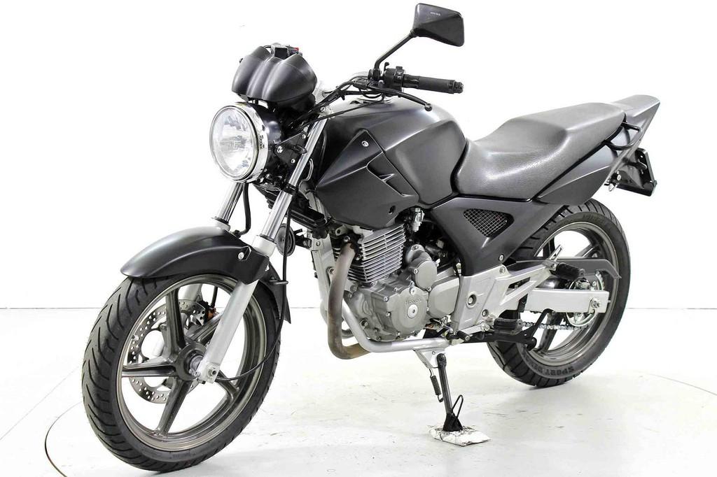 Honda CBF 250 - Occasion-Motorräder - Moto Center Winterthur
