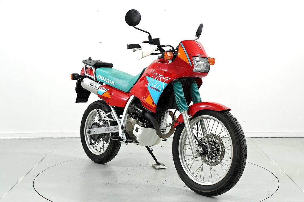 Honda VTR 250 - Occasion-Motorräder - Moto Center Winterthur