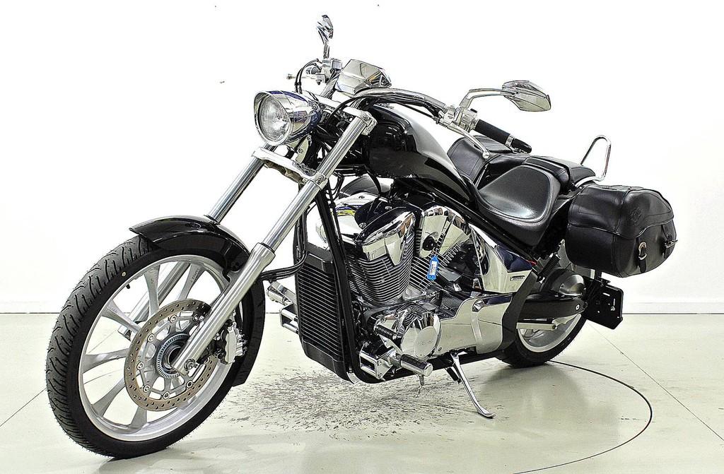 Honda VT 1300 CX ABS - Chopper - Moto Center Winterthur
