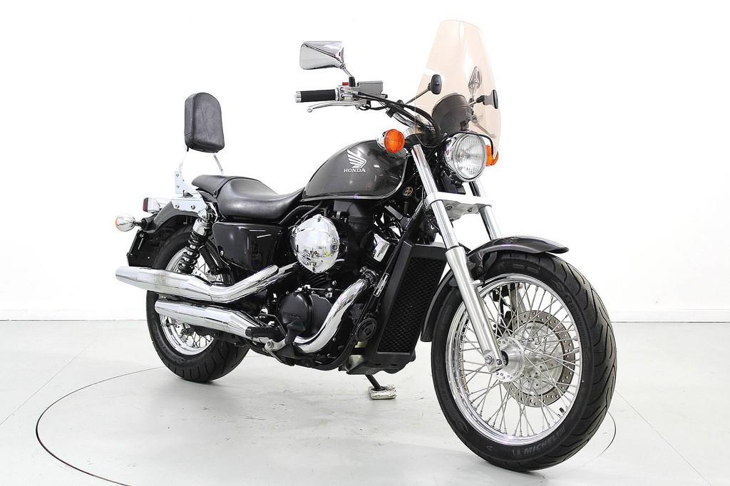 Honda VT600 Shadow - bis 35 kW - Moto Center Winterthur