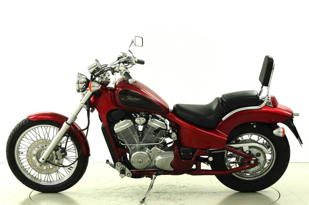 Honda VT600C Shadow - Occasion-Motorräder - Moto Center