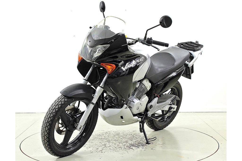 honda xl 125 v varadero bis 125 ccm motorr der moto. Black Bedroom Furniture Sets. Home Design Ideas