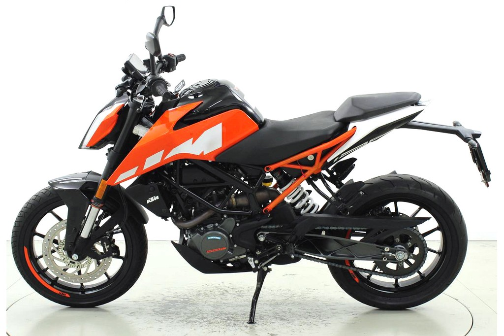 ktm 125 duke abs bis 125 ccm motorr der moto center. Black Bedroom Furniture Sets. Home Design Ideas