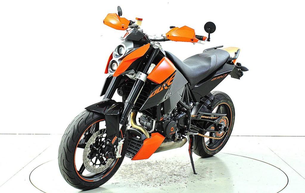 ktm 690 duke occasion motorr der moto center winterthur. Black Bedroom Furniture Sets. Home Design Ideas