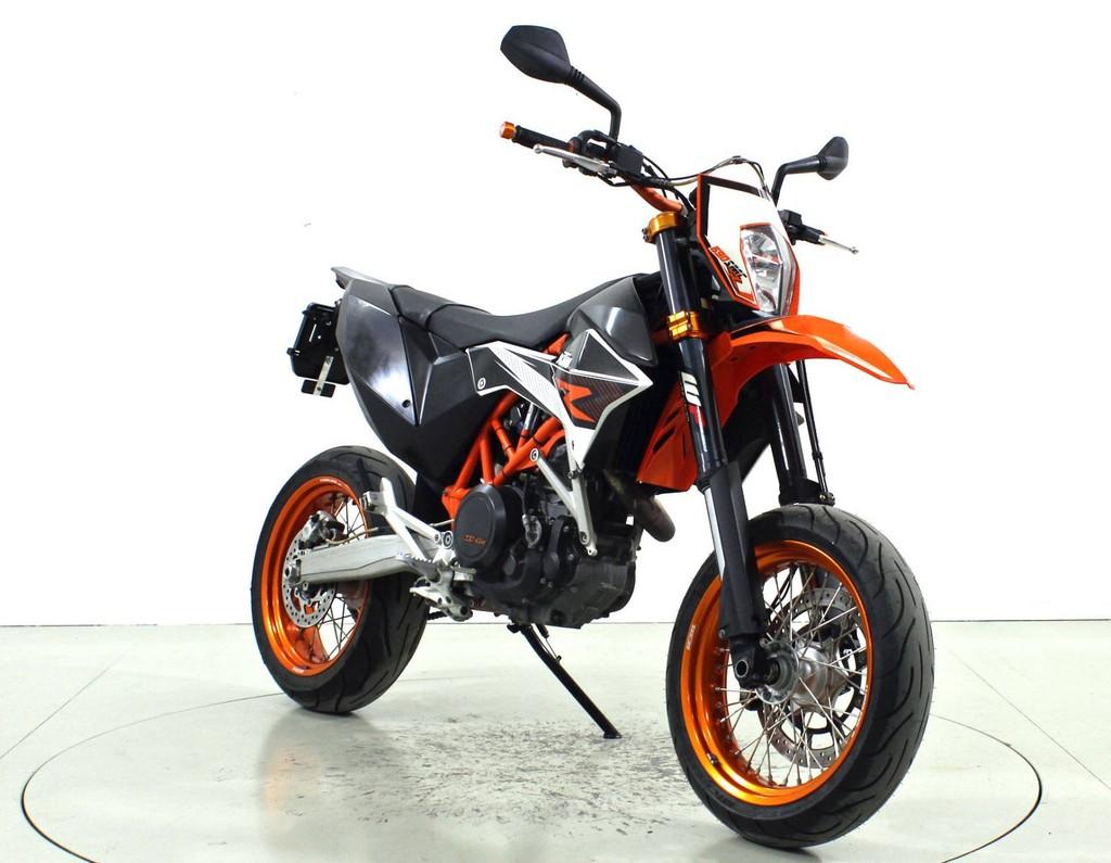 ktm 690 smc r occasion motorr der moto center winterthur. Black Bedroom Furniture Sets. Home Design Ideas