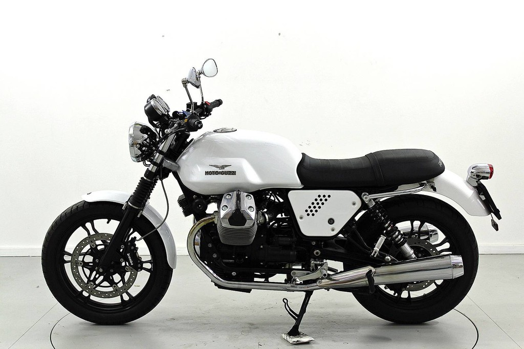 Moto Guzzi V7 750 Stone - bis 35 kW - Moto Center Winterthur