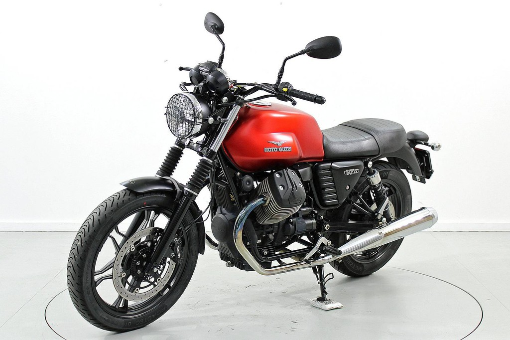 Moto Guzzi V7 750 Stone ABS - bis 35 kW - Moto Center