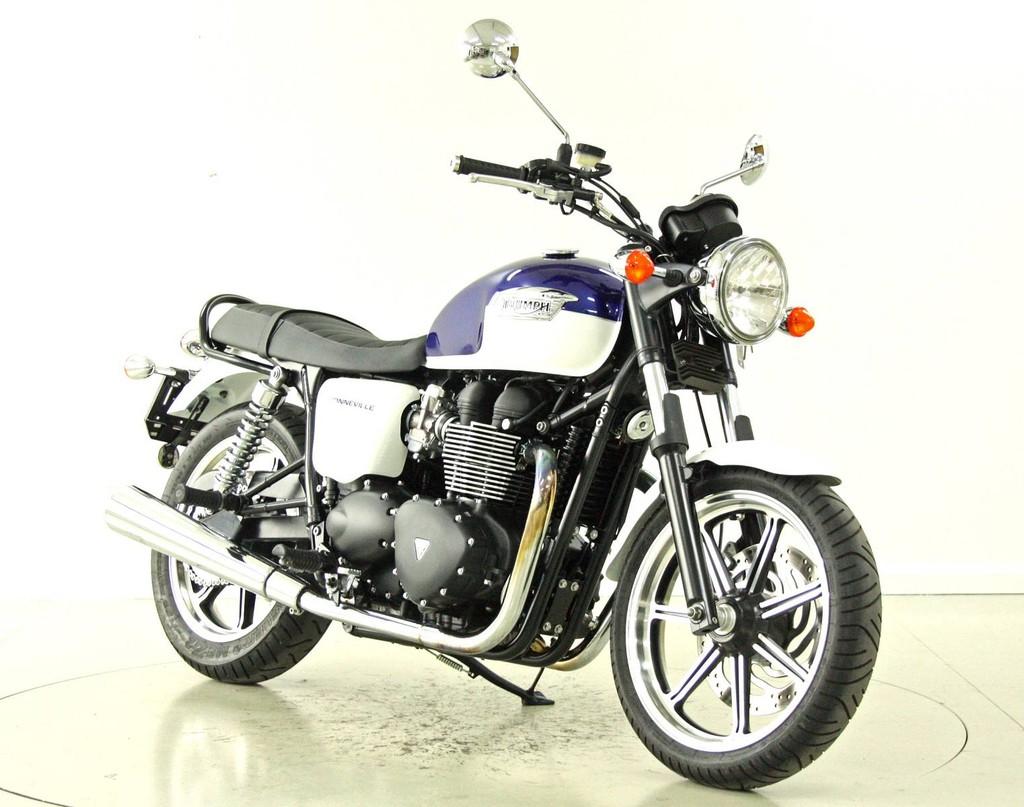 triumph bonneville 900i ber 35 kw moto center winterthur. Black Bedroom Furniture Sets. Home Design Ideas