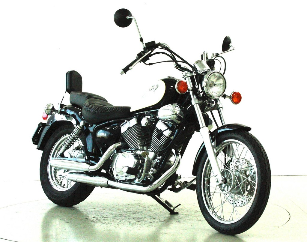 yamaha xv 125 virago 125 ccm motorr der moto center winterthur. Black Bedroom Furniture Sets. Home Design Ideas