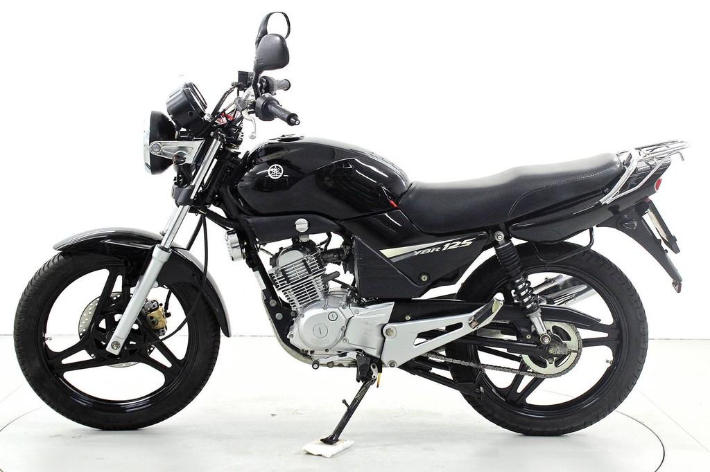 Yamaha YBR 125 - Bis 125 ccm Motorräder - Moto Center